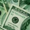 El cierre de fin de mes impulsó una leve subida del dólar